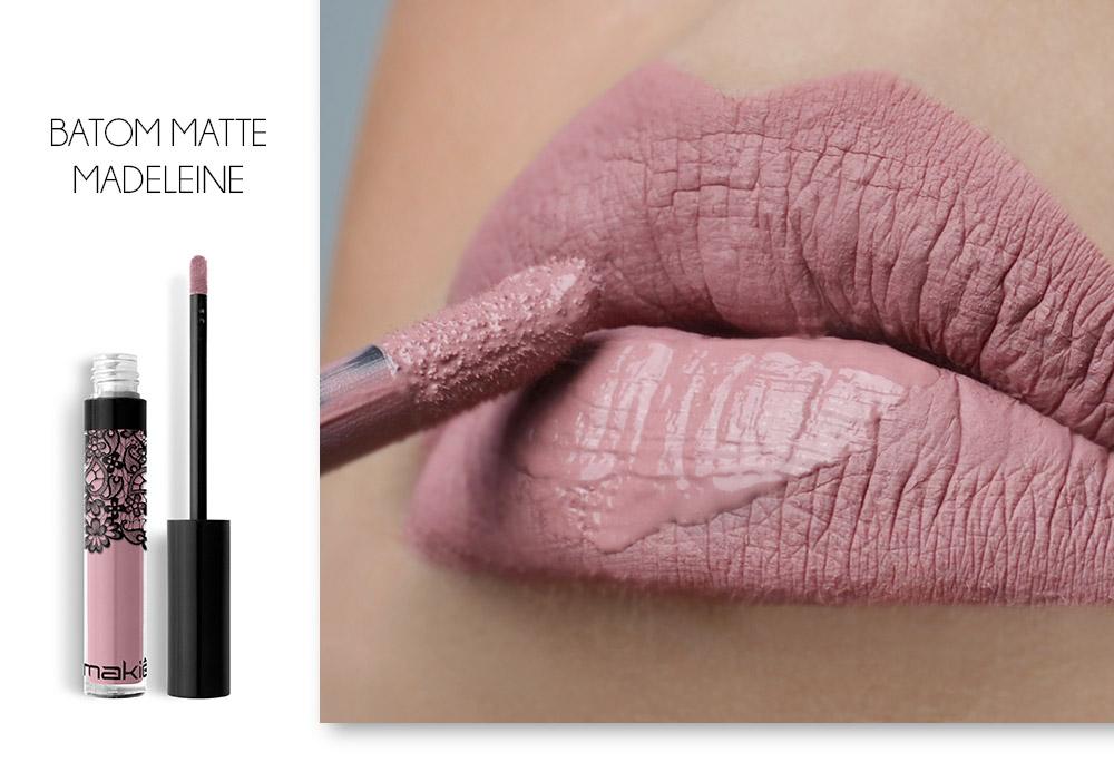 A esquerda imagem do batom líquido matte Madeleine sob fundo branco. A direita imagem dos lábios com o batom aplicado.