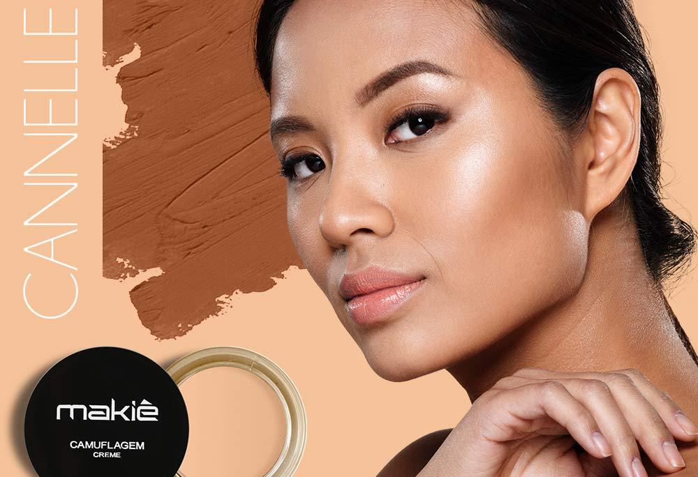 Na esquerda a imagem do produto camuflagem makiê com o escrito cannelle. A direita o rosto feminino ilustrando a maquiagem para pele morena.